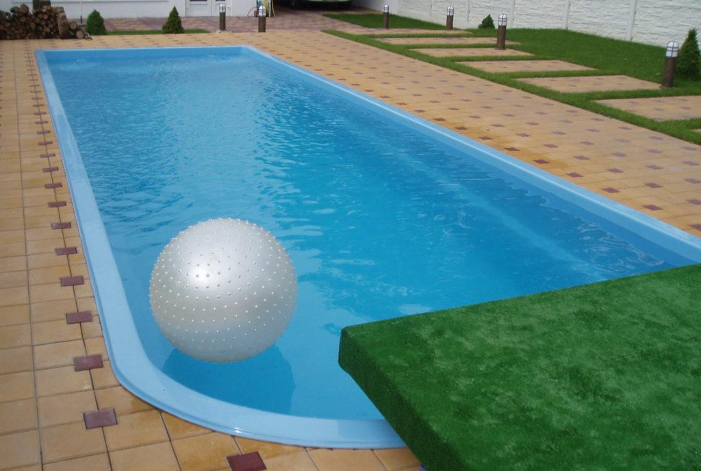 Строительство бассейна своими руками. Пошаговая инструкция по строительству из 3-х разных материалов.