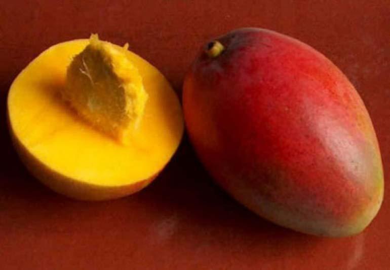 спелый-манго-косточка